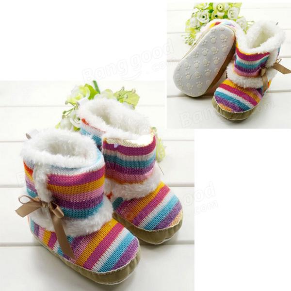 Arc-en-ciel de velours de bambin de filles de bébé chaussures de bottes uniques douces