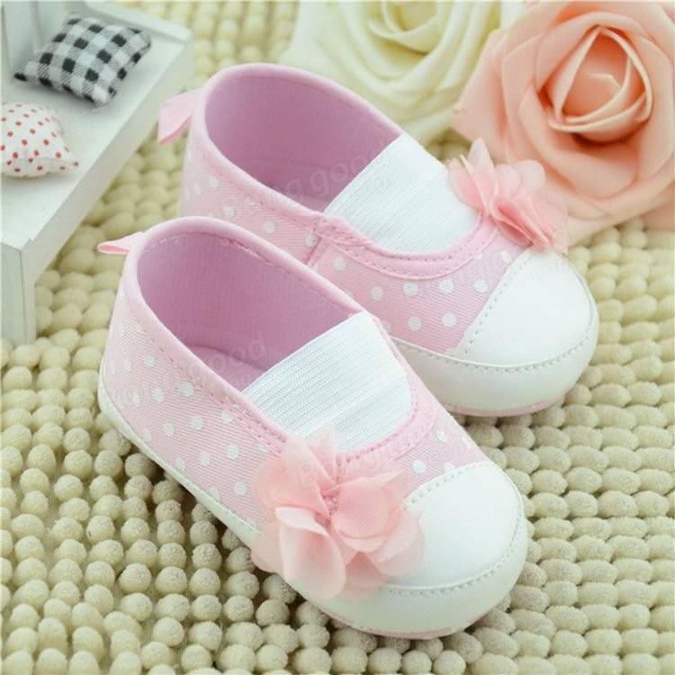 Bébé enfant en bas age mignon belles chaussures roses infantile coton fille fleur semelle souple antidérapant sur berceau fleur chaussures baskets