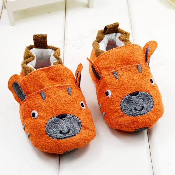 Chaussures de bébé de bande dessinée bambin semelle souple de prewalker anti-dérapant