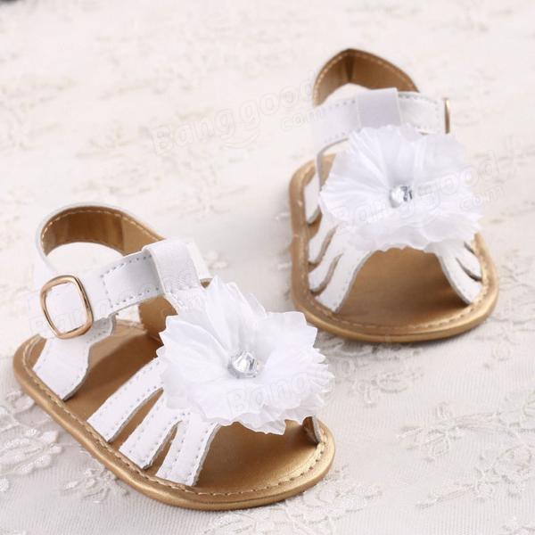 Bébé infantile été fleurs blanches prewalker chaussures à semelle souple