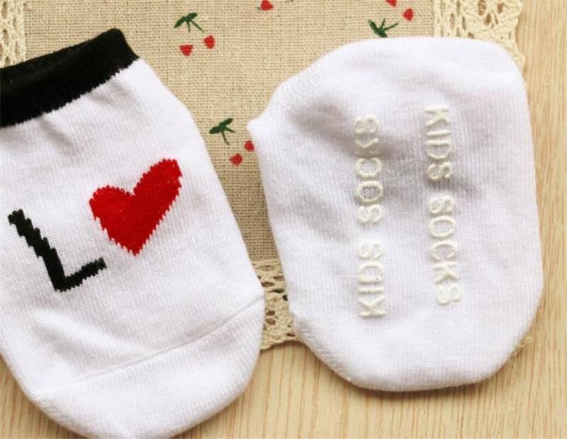 Belle chaussettes en coton chaussettes de bébé de sol antidérapant 0-4years