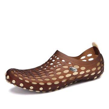 Hommes nouveaux été décontracté en plein air plat respirant glissement doux et confortable sur les chaussures de l'eau