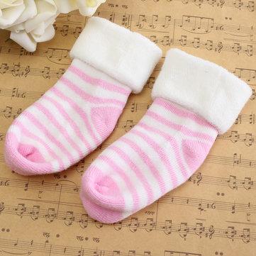 Bébé enfants enfant belles sockes chaudes automne hiver de coton portant des accessoires
