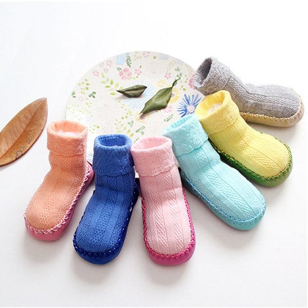 12 paires de chaussettes de chaussette de préambulation de couleur de bonbon de tissu de bébé d'enfant en bas age de bébé