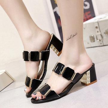 Sandales femmes d'été à talons confortables glissement de la mode sur la plage casual chaussures pantoufle